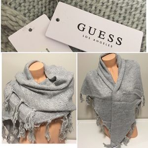 🆕GUESS - GREY TRIANGLE SCARF / SHAWL SWEATER TOP